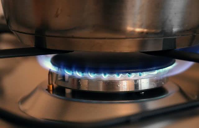10-dicas-de-uso-do-oleo-de-coco-no-dia-a-dia-cozinha