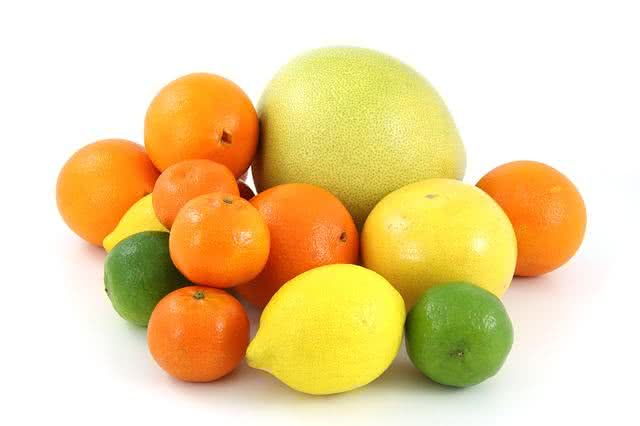 as-frutas-podem-te-ajudar-a-eliminar-o-acido-urico-do-corpo-laranja