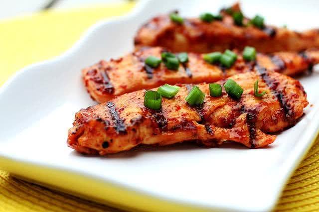 alerta-alimentos-que-se-requentados-podem-causar-danos-a-saude-frango