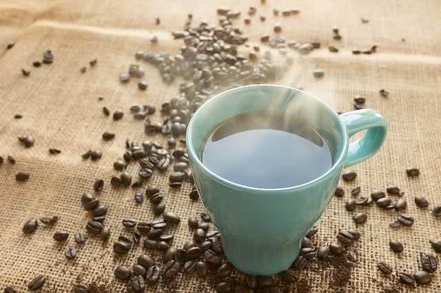 apos-conhecer-os-alimentos-que-causam-celulite-voce-nao-os-comera-como-antes-cafe