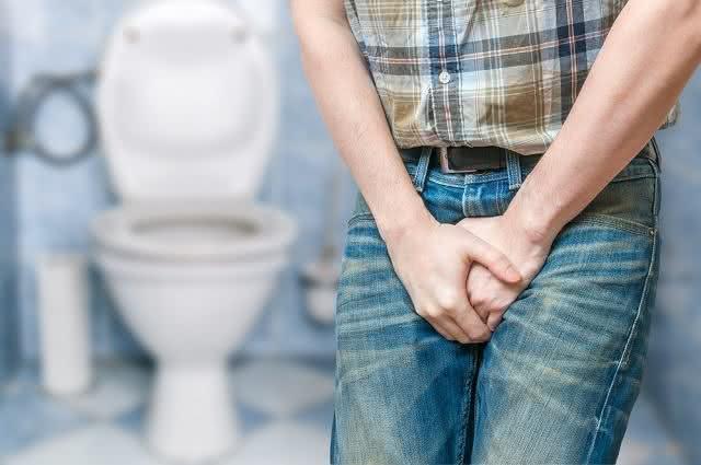 Aprenda a fazer remédios naturais para curar infecção urinária