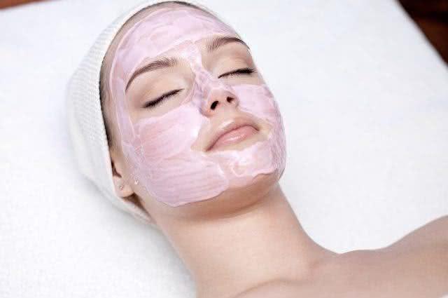 Aprenda a fazer a poderosa máscara caseira antirrugas