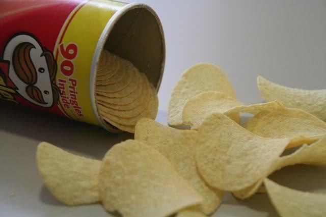 medico-lista-os-10-piores-alimentos-do-mundo-conheca-todos-elesbatata-chips