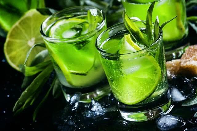 Pesquisa fará você nunca mais querer limão no seu drink
