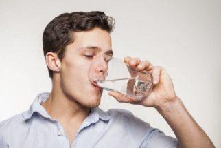 Sinais reais de que você está tomando pouca água por dia