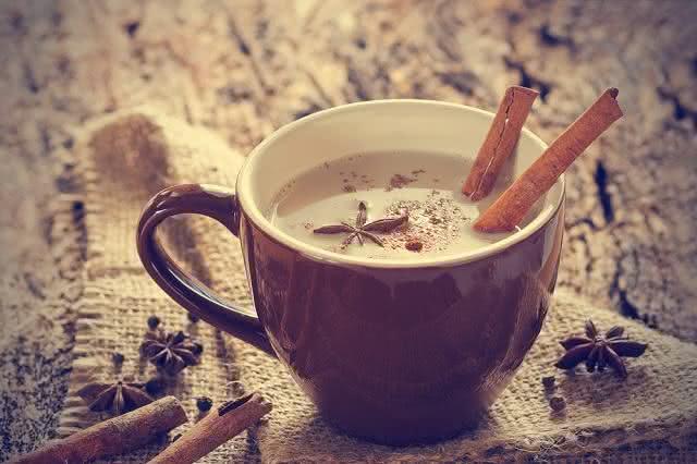 Trate a labirintite naturalmente com o chá de noz-moscada