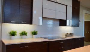 9-dicas-praticas-e-baratas-para-facilitar-a-limpeza-na-sua-casa-armario