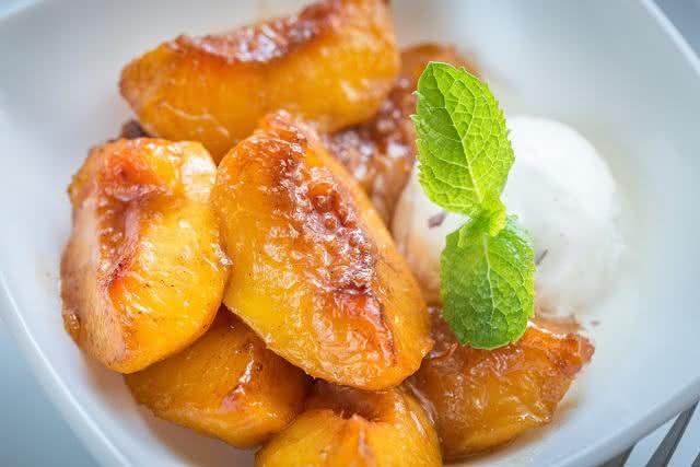 Aprenda a fazer deliciosa e saudável sobremesa com pêssego