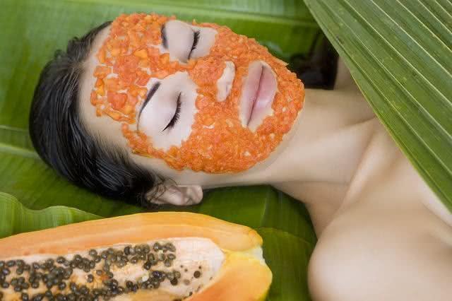 Creme de mamão papaia para revigorar a pele do seu rosto