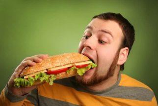 Descubra como diferenciar fome física da fome emocional