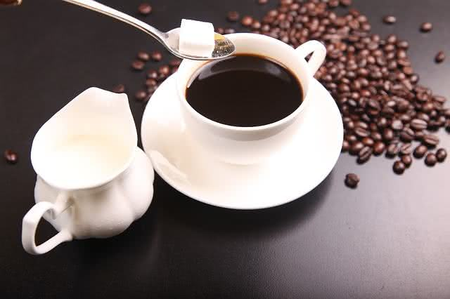 dicas-de-cafes-da-manha-saudaveis-praticos-e-saborosos-cafe