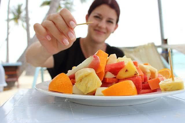 dicas-de-cafes-da-manha-saudaveis-praticos-e-saborosos-frutas