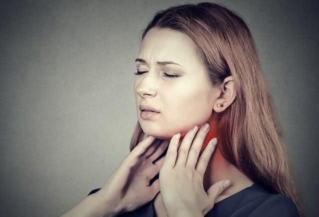 Dores na garganta podem estar ligadas a chegada da primavera