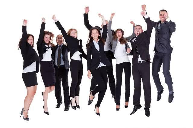 entusiasmo-e-gratidao-fazem-bem-no-ambiente-de-trabalho