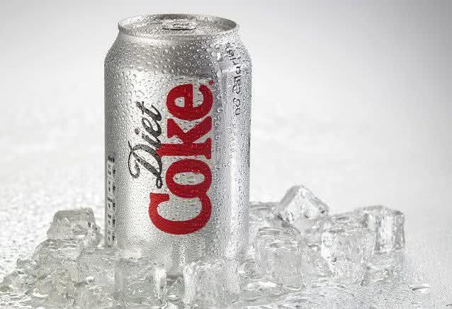 Estudo alerta: refrigerante diet aumentam risco de doenças