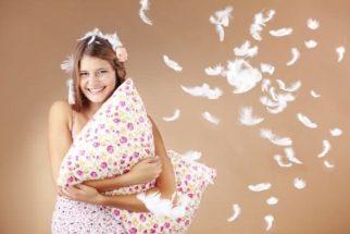 Macete caseiro ensina como limpar as almofadas de penas