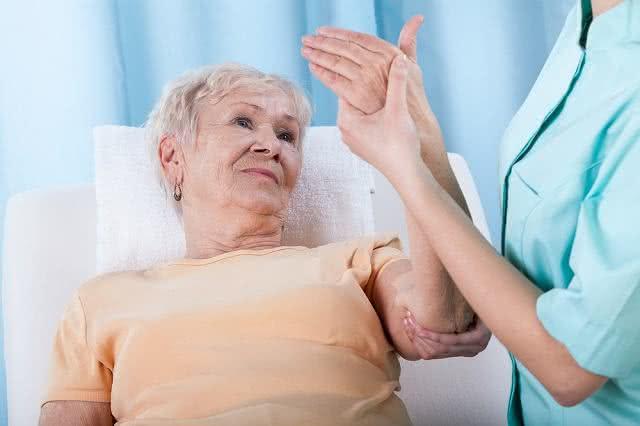 Osteoporose? Essa solução caseira vai resolver o problema rapidinho