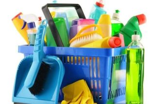 Prepare em casa limpador multiuso e limpador com desinfetante