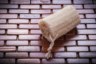 Qual esponja usar na limpeza? Conheça cada tipo e suas utilidades