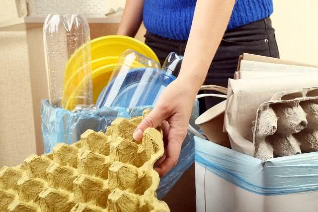 Resíduos caseiros: o melhor é reciclar ou jogar no lixo?