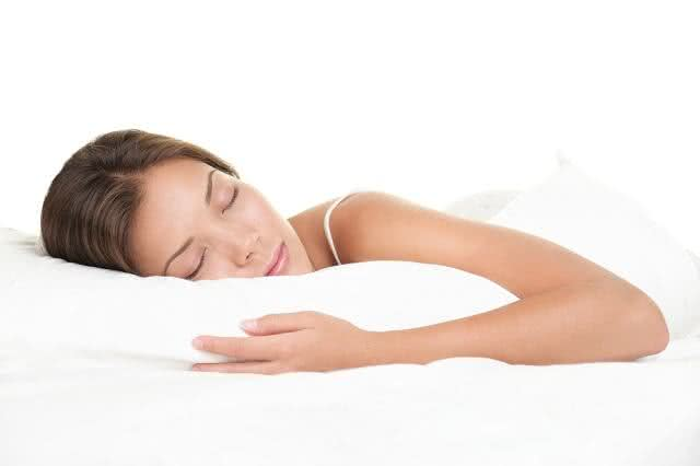 Você sabia? Dormir pouco eleva o risco de câncer de mama