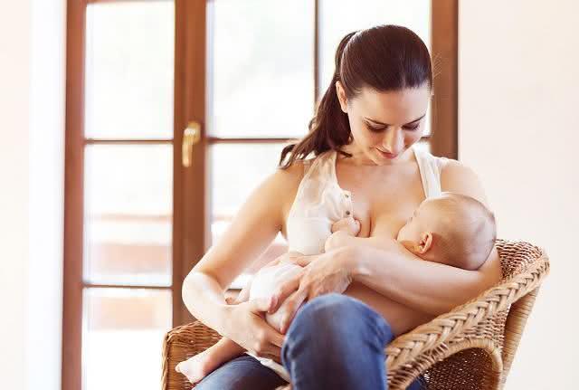 Amamentação: cuidados para prevenir lesões nas mamas