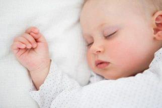 Pediatra recomenda adotar rotina de sono para seu filho