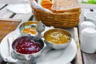 Aprenda a fazer uma geleia saudável de Pimenta com Maracujá