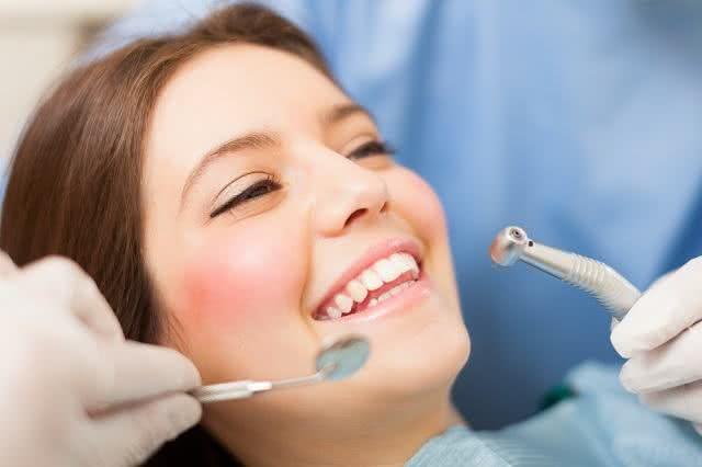 Toma algum anticoagulante? Cuidado na ida ao dentista!