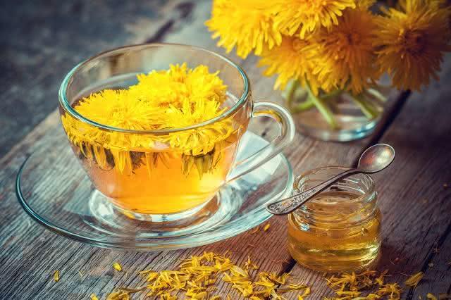 Trate enxaqueca e problemas no fígado com este chá