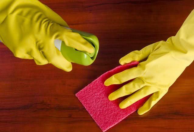 10 dicas práticas para limpar o quarto em pouco tempo
