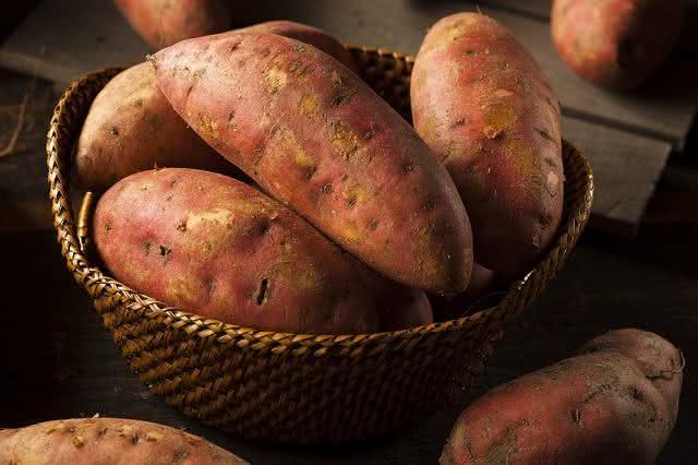 4 alimentos saudáveis e baratos para consumir em tempos de crise econômica