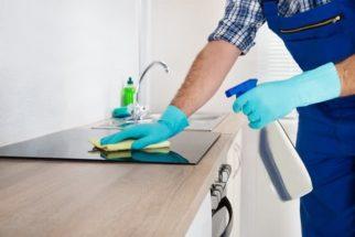 4 passos infalíveis para limpar a bancada da cozinha