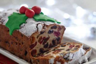 Arrase na ceia de natal com um bolo de frutas sem trigo e açúcar