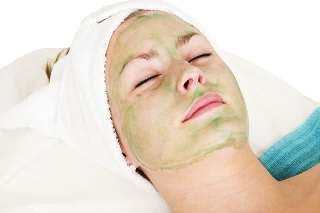 Conheça uma excelente receita de creme firmador para a pele do rosto