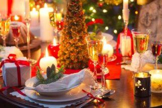 Decorações natalinas caseiras para a mesa da ceia de Natal