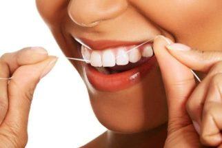 Não usar fio dental compromete saúde bucal, afirma odontopediatra