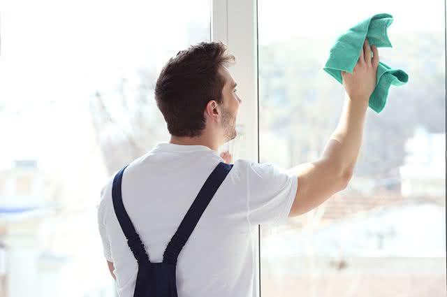 Saiba como fazer fácil, fácil a limpeza completa da janela da sua casa