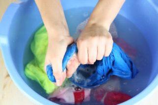Lavar roupa à mão. Otimize seu tempo e tarefa seguindo 4 passos
