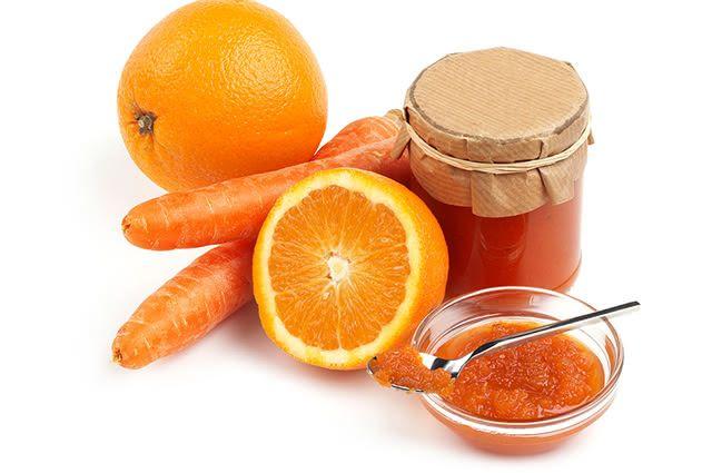 É possível eliminar a tosse tomando xarope de cenoura