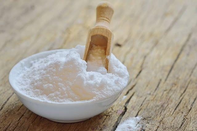 Cabelos livres da oleosidade podem ser conseguidos com o uso do bicarbonato de sódio