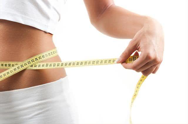 Barriga saliente? Veja aqui o que você deve evitar para acabar com as gorduras
