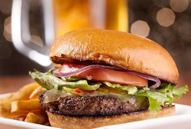 Descubra os malefícios do hambúrguer? Veja e surpreenda-se!