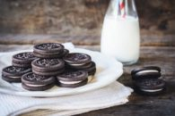Os malefícios de comer biscoito recheado. Coma com moderação