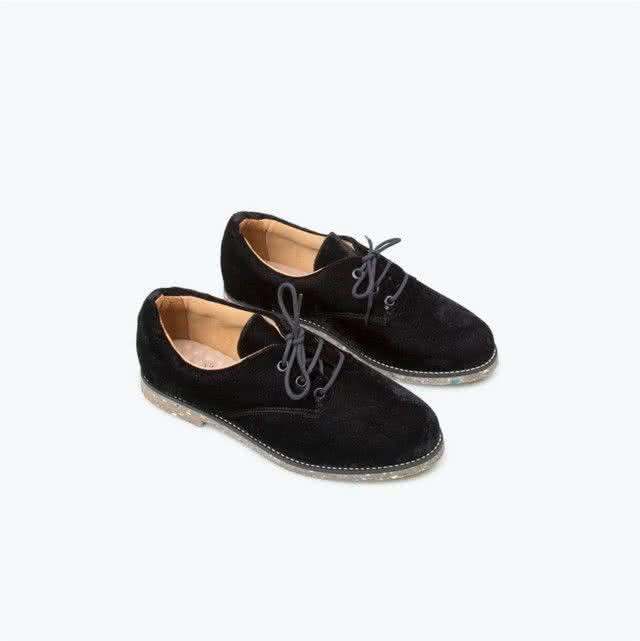 black-velvet-oxford