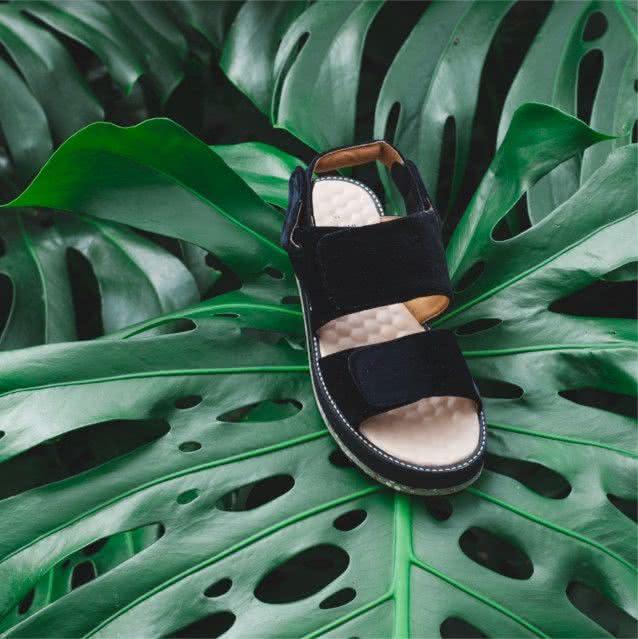 black-velvet-strap-sandal