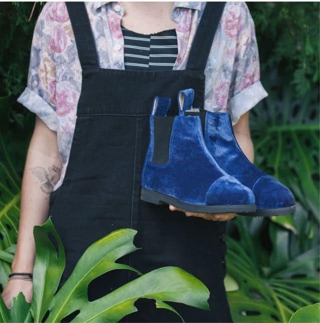 blue-velvet-chelsea-boot