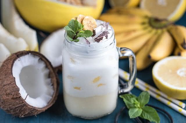 Bebeu demais? Especialista ensina receita de poderoso shake anti-ressaca