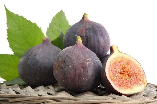 Quer comprar figo mas não sabe como escolher esse fruto? Aprenda aqui