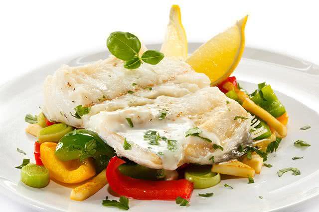 Deliciosíssima! Conheça a receita de uma inigualável salada de bacalhau